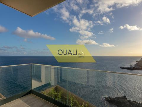 Apartamento de dos habitaciones con vistas al mar € 190.000,00 Porto Novo, Isla de Madei