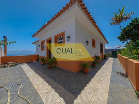 Villa avec vue mer définitive-Caniço-Ilha da Madeira- € 260.000,00