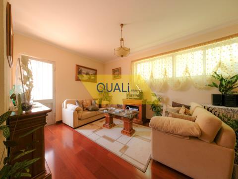 Fabuleuse villa de 7 chambres à Monte- Funchal - Madère € 420.000,00