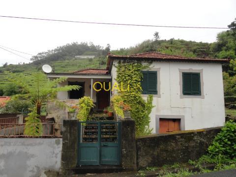 Villa To Restore V4, Located in Rosario, €75,000.00