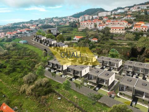 Reihenhaus, 3 Schlafzimmer, Caniço, € 210.000,00