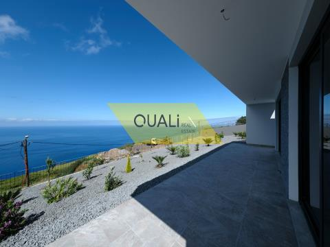 Modern 3 bedroom villa in Calheta - Madeira Island - €335.000,00