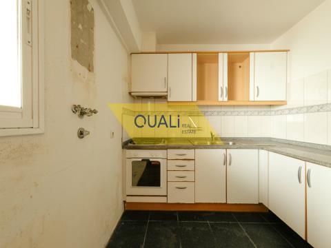 Maison de ville T2 à vendre à Caniço - Madère.€100.000,00