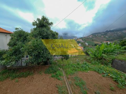 Rustic land of 900m2, located in Ribeira Brava,sea viewn- € 75.000,00