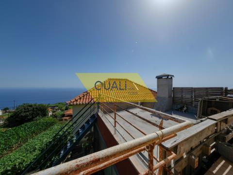 Villa indipendente V2 + 2 situata a Ponta do Sol con vista mare - € 185.000,00