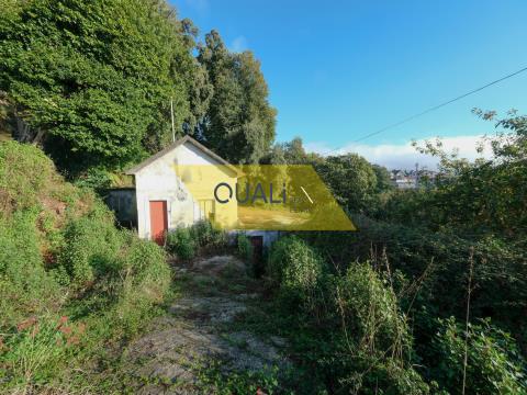 House in Camacha - Madeira Island - € 45,000.00