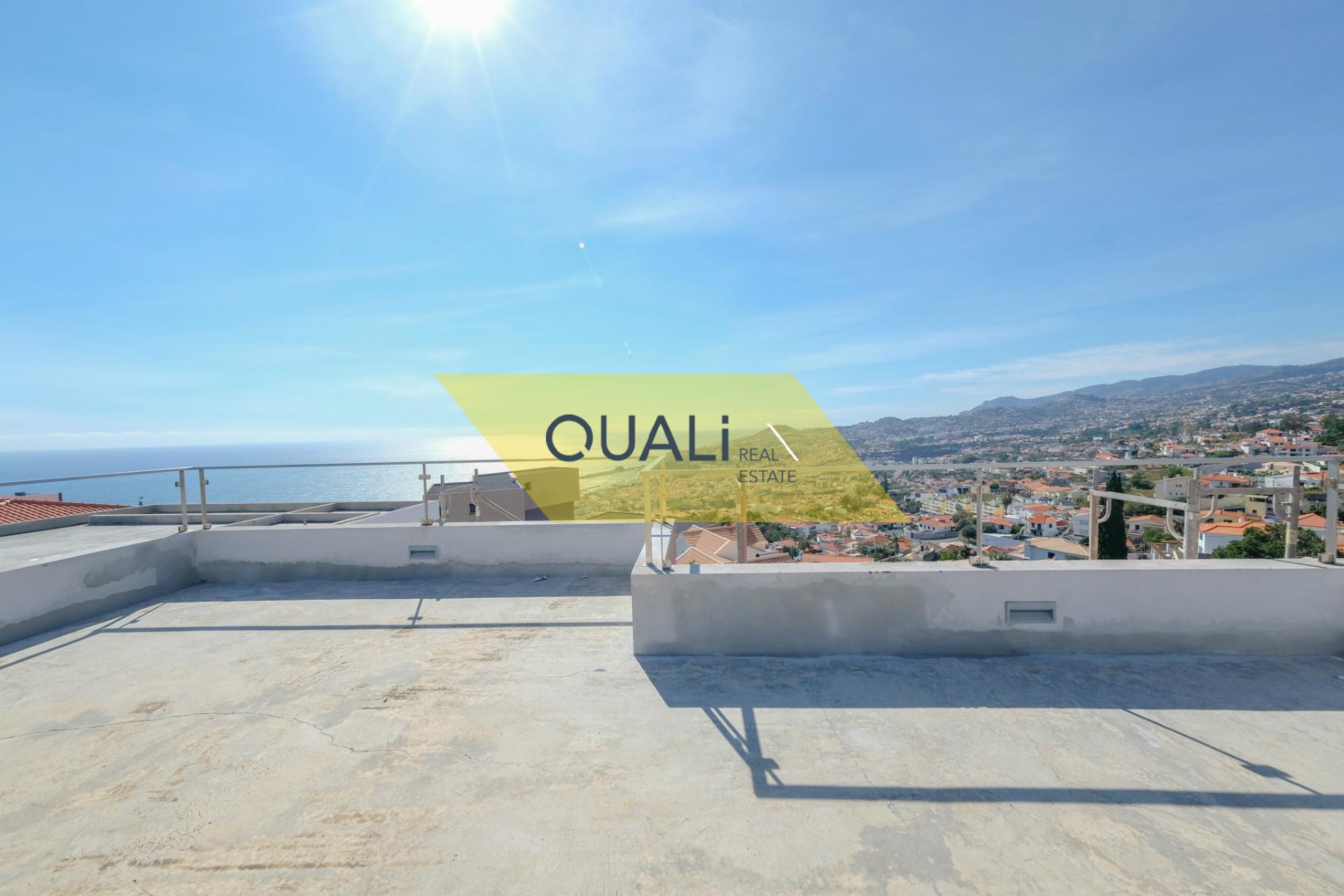 Villa con magnifica vista sul mare, Funchal - Isola di Madeira - € 625.000,00