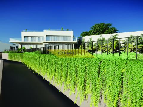 Villa con 3 suite di fronte alla baia e alla città di Funchal - Isola di Madeira - € 625.000,00
