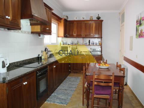 Quinta localizada na Achada,€750.000,00