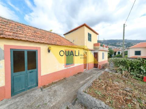 Villa de 3 chambres à Santo António, Funchal - Île de Madère - € 95.000,00