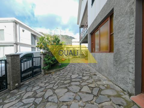 Villa de 3 dormitorios en venta en Ribeira Brava - Isla de Madeira - € 370.000,00