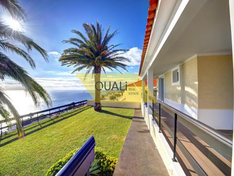 Magnífica moradia sobre o mar no Garajau - Ilha da Madeira - € 625.000,00