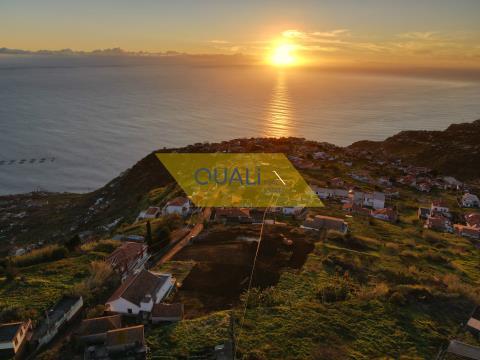 Terreno con ottima vista sul mare Calheta - Isola di Madeira - € 100.000,00