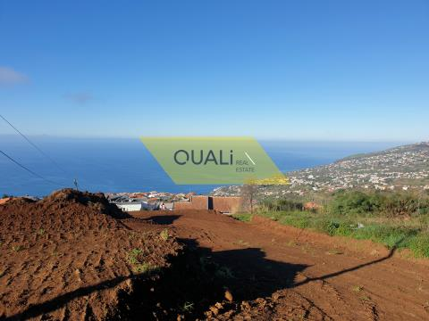 Land with excellent views over the sea - Calheta - Madeira Island - € 100.000,00