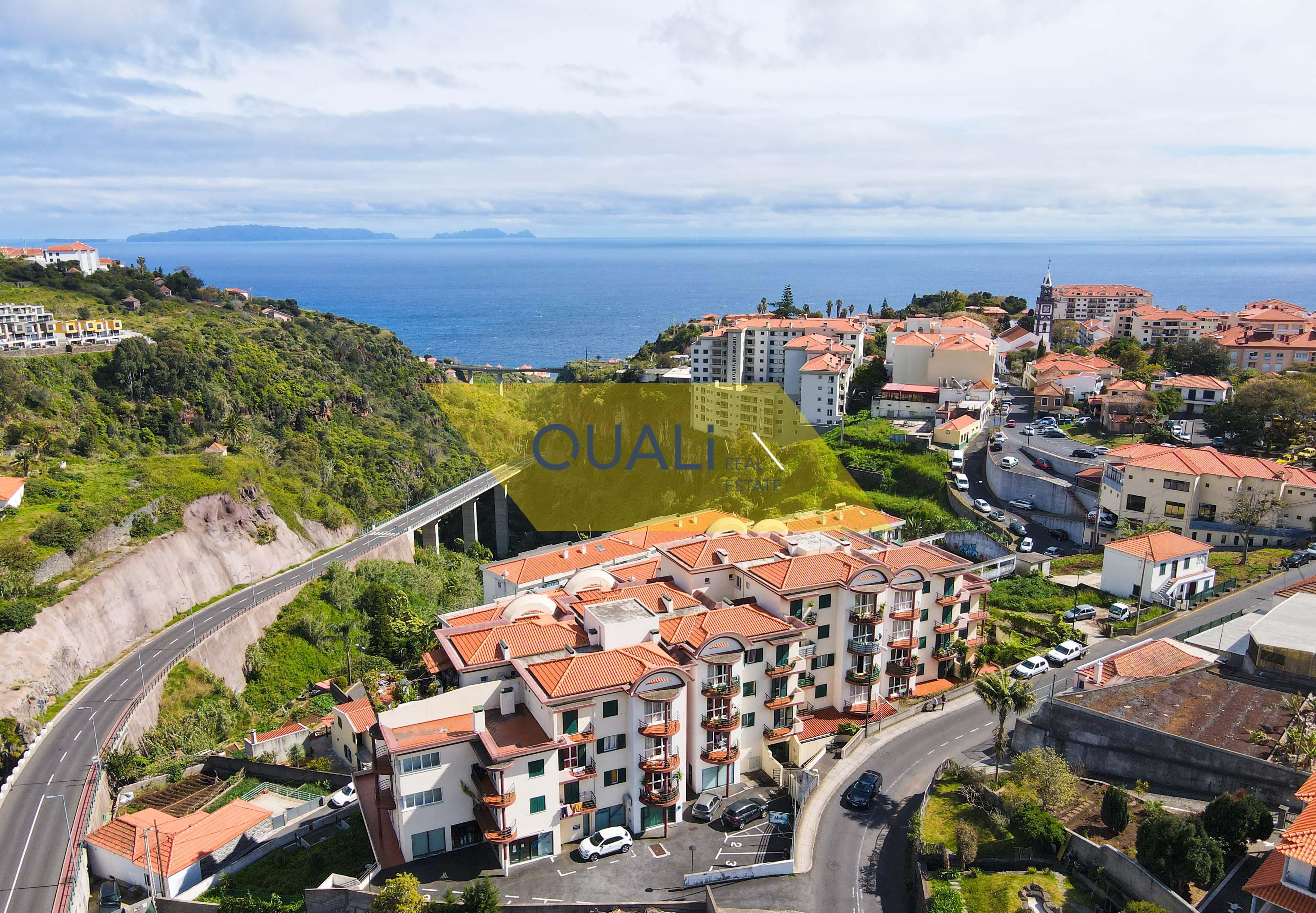 Appartamento con 3 camere da letto nel centro di Caniço, Sta Cruz, Isola di Madeira - € 155.000,00