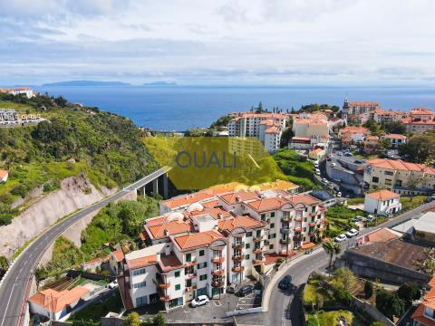 Apartamento de 3 dormitorios en el centro de Caniço, Sta Cruz, Isla de Madeira - 155.000,00 €