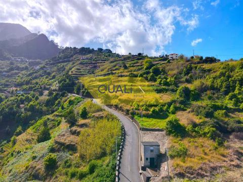 Pagliaio + Terreno a São Vicente - Madeira - € 41.100,00