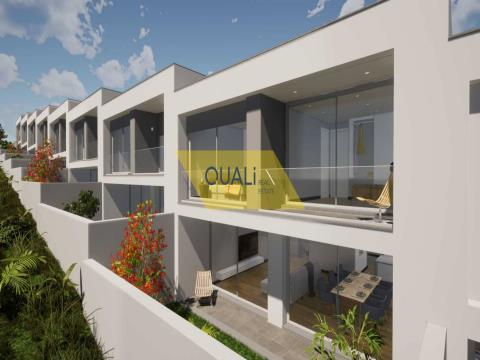 Moradia em Banda V3 Duplex em Câmara de Lobos - Madeira - € 270.000,00