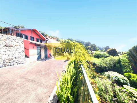 Land with Rural Construction T3 in Machico - Madeira - € 170,000.00