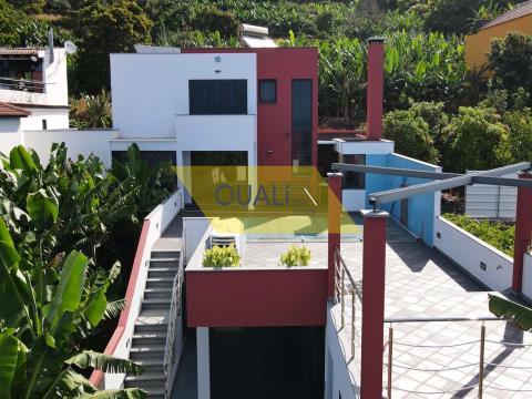 Casa al mare con 3 camere da letto a Paul do Mar - Madeira - € 440.000,00