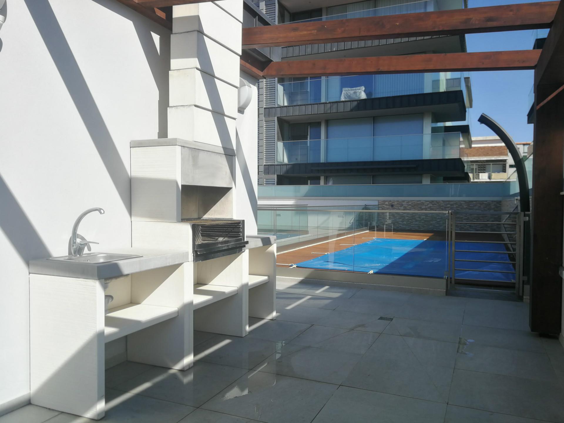 Luxuoso Apartamento T2 - Praia da Barra