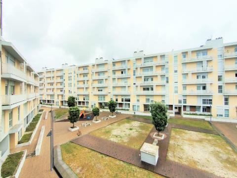 Apartamento T4 em estado Como Novo - Centro da cidade