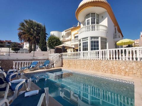 Villa V4 Girassol com piscina privada- Albufeira