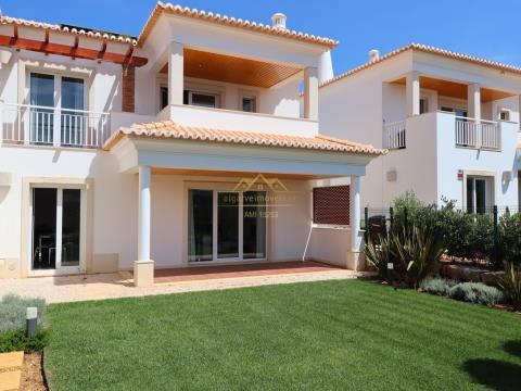 Villa V3 + 1  em Vilamoura, com 480 m2