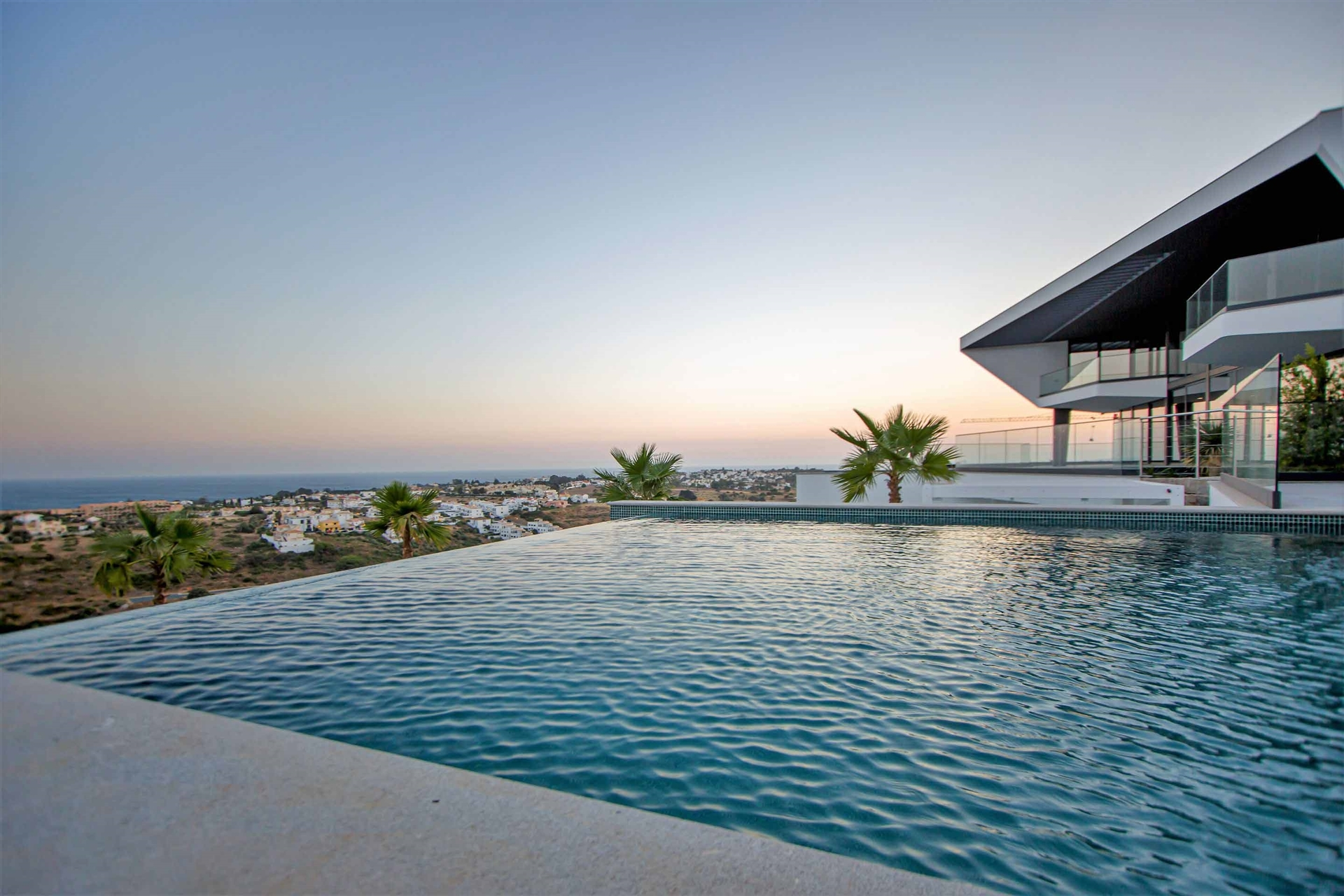 Villa V4 Contemporânea de Luxo - Vista Mar 180º
