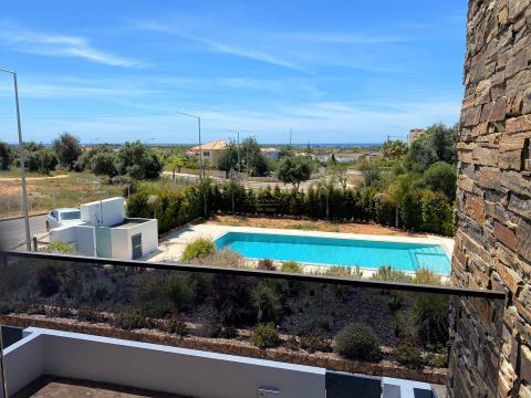 Impresionante villa con vistas al mar, cerca de la playa Grande de Pêra