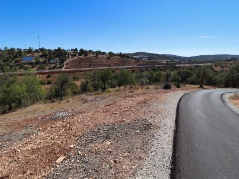 Rustic land with 3 hectares the road