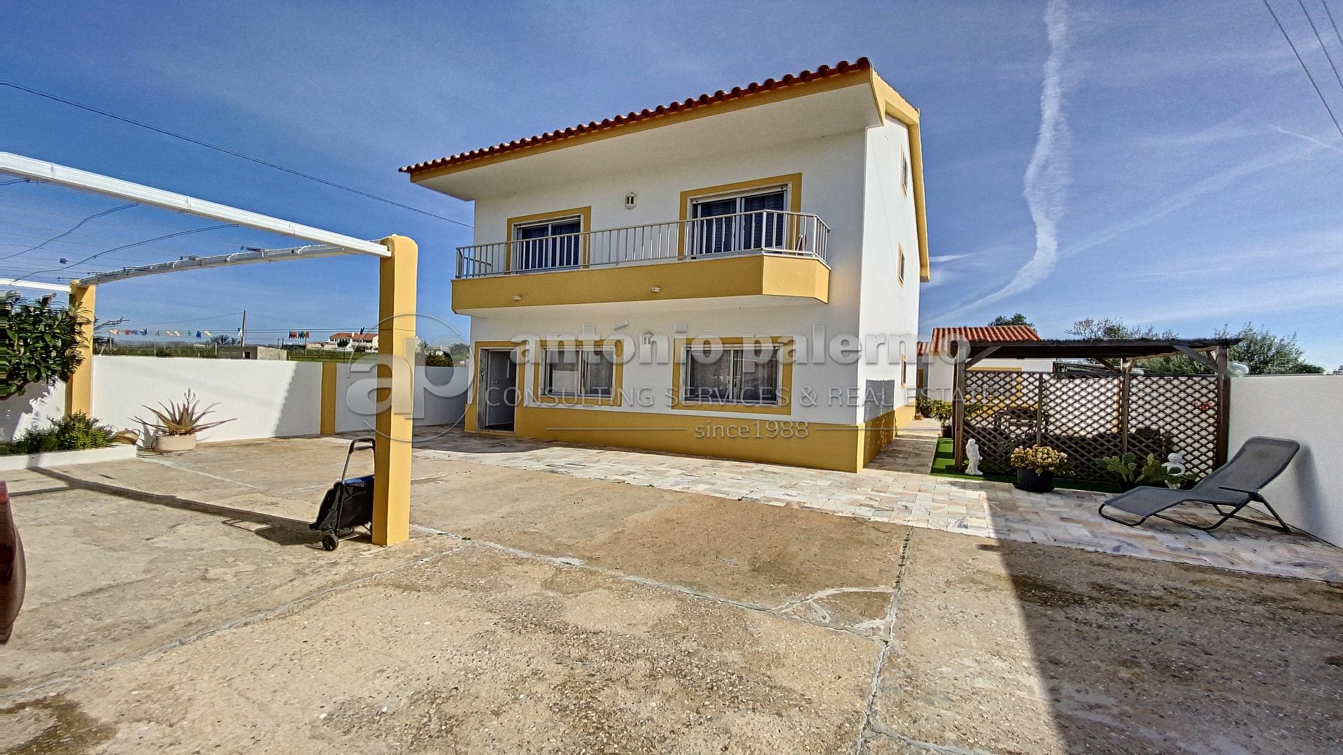 Moradia Versátil totalmente remodelada para venda em Altura