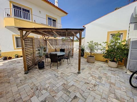 Versatile Villa completely remodeled for sale in Altura