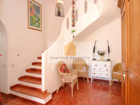 Villa 4 bed for sale in Carvoeiro