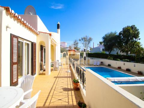 For sale, 3 bed villa with heated pool & garage in Vale de Milho