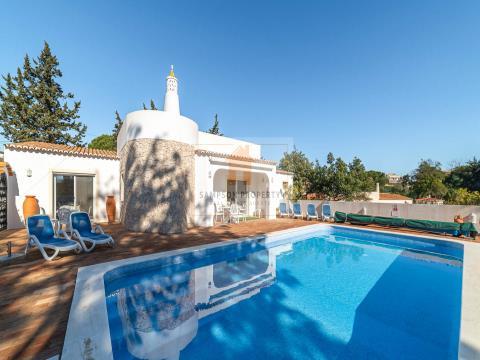 For sale in Carvoeiro, Vale de Milho, detached 3 bedroom villa with sea views