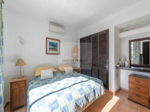 For sale in Carvoeiro 2 bedroom townhouse on Quinta do Paraíso