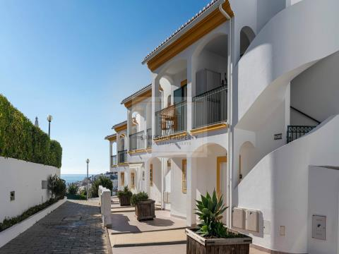 For sale, in Carvoeiro 1 bedroom apartment with sea views