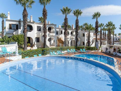 For sale 2 bedroom apartment in Monte Cavoeiro