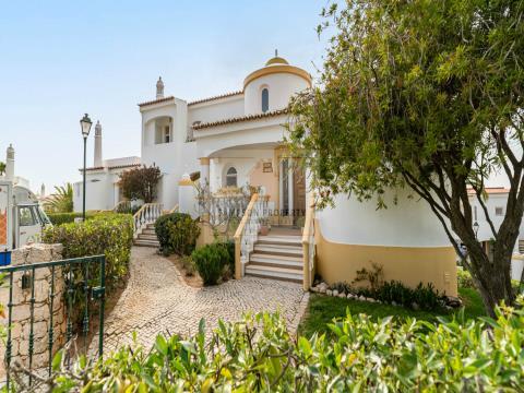 Para venda Carvoeiro, dúplex de 2 quartos no resort Vila Golfemar