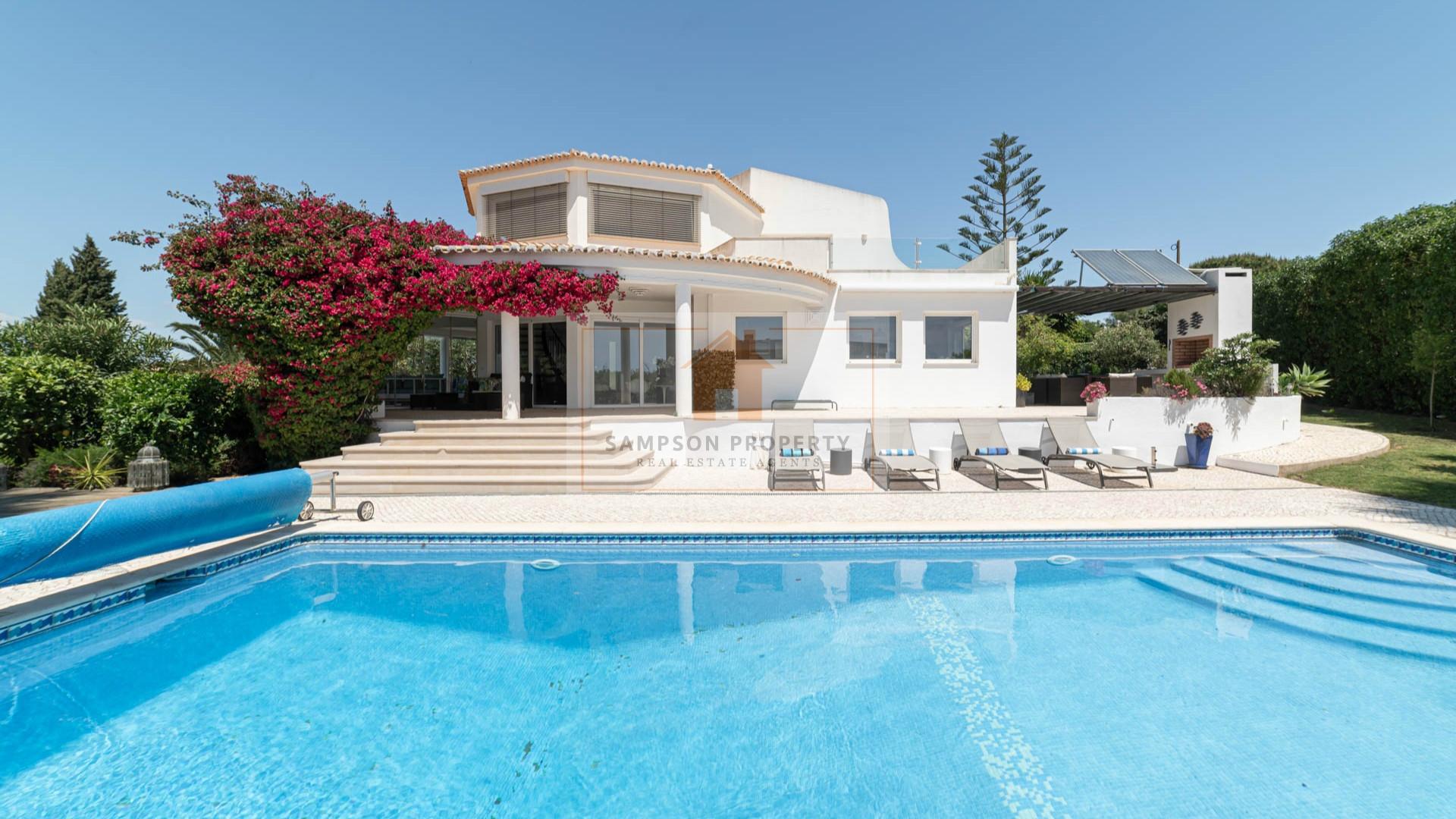 For sale in Salicos Carvoeiro, luxury 4 bedroom villa