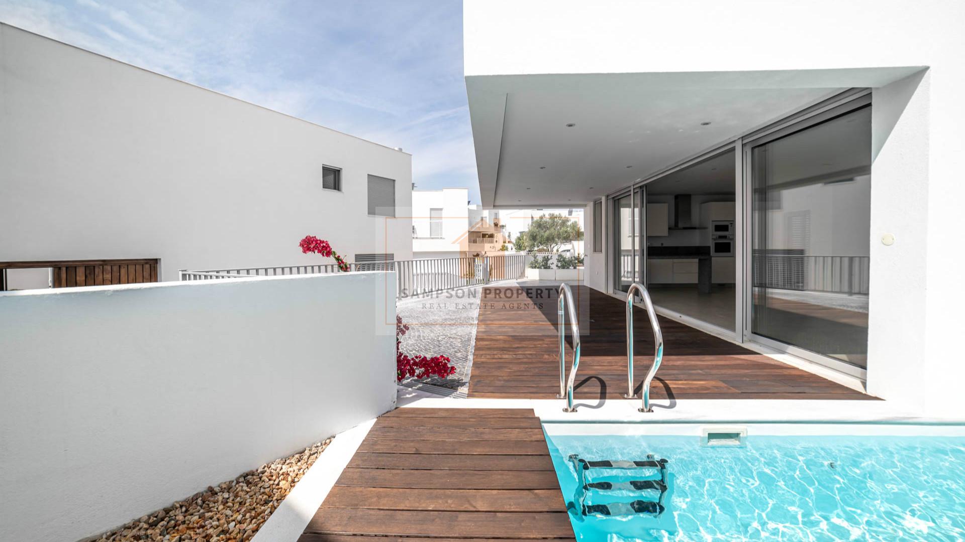 New Build - modern 1+2 bed villa w/heated pool & garage