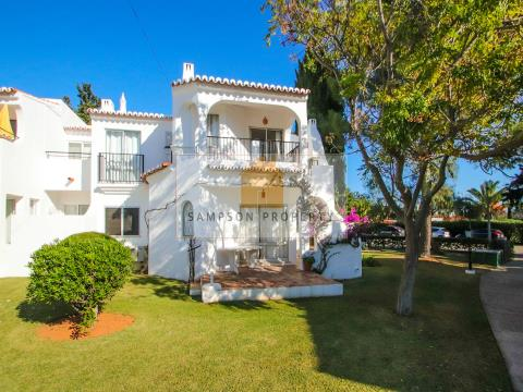 2 bed 1st floor apt on holiday resort Rocha Brava