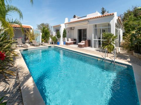 Single storey 2 bedroom villa with pool
