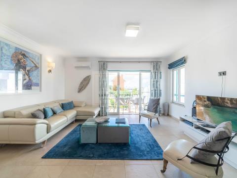 For sale, luxury 3 bedroom apartment in Ferragudo
