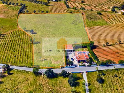 Mixed land for sale with viability to build in Carvoeiro, Algarve