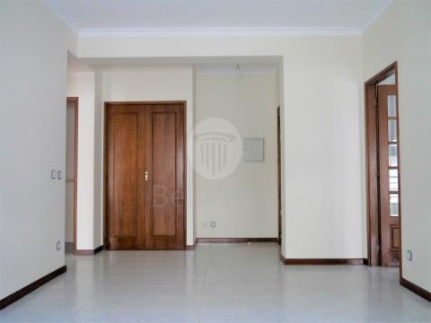 Apartamento T1 para arrendamento,em São Vitor, próximo ao Braga Parque