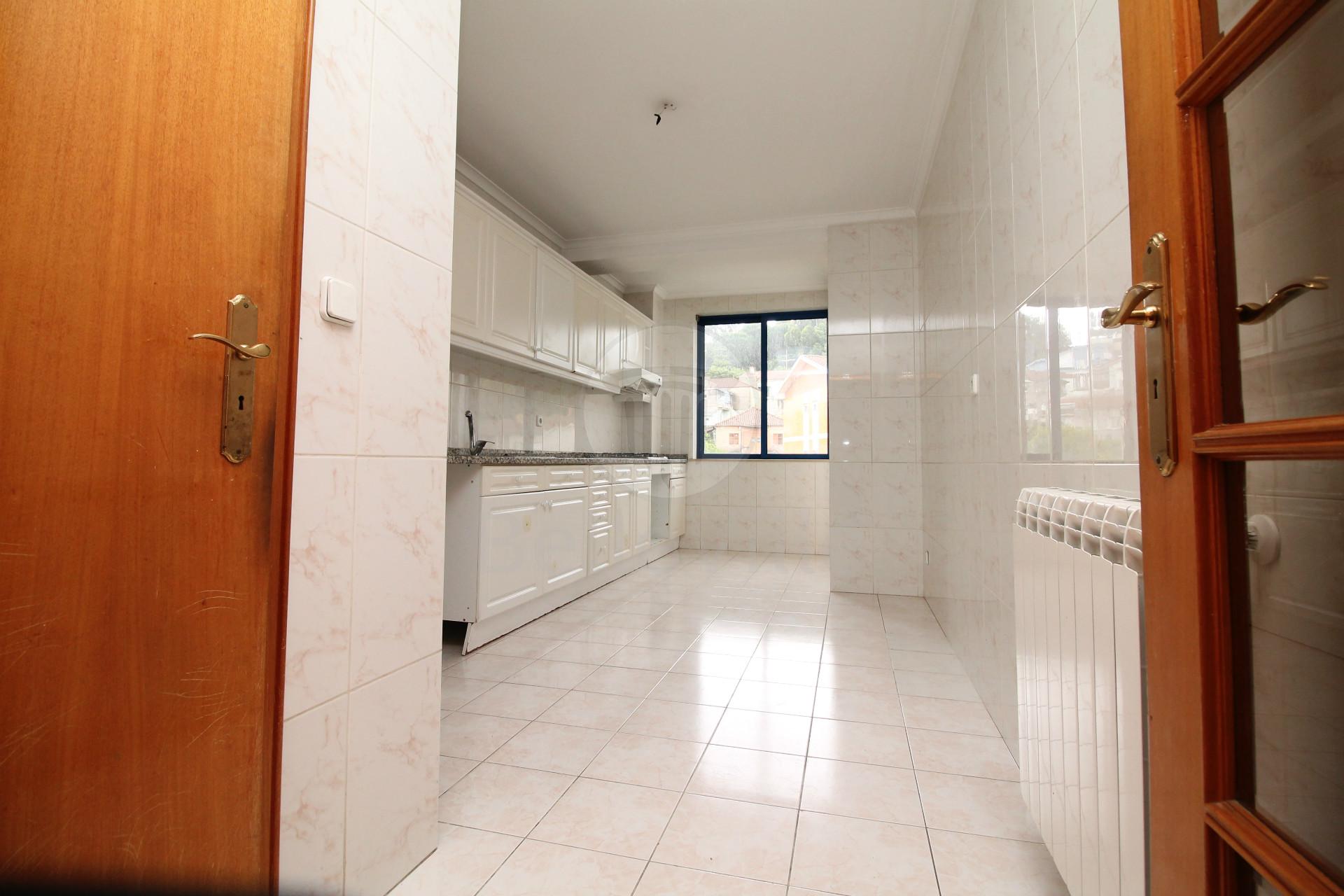 Apartamento T2 para arrendar, próximo do Braga Parque