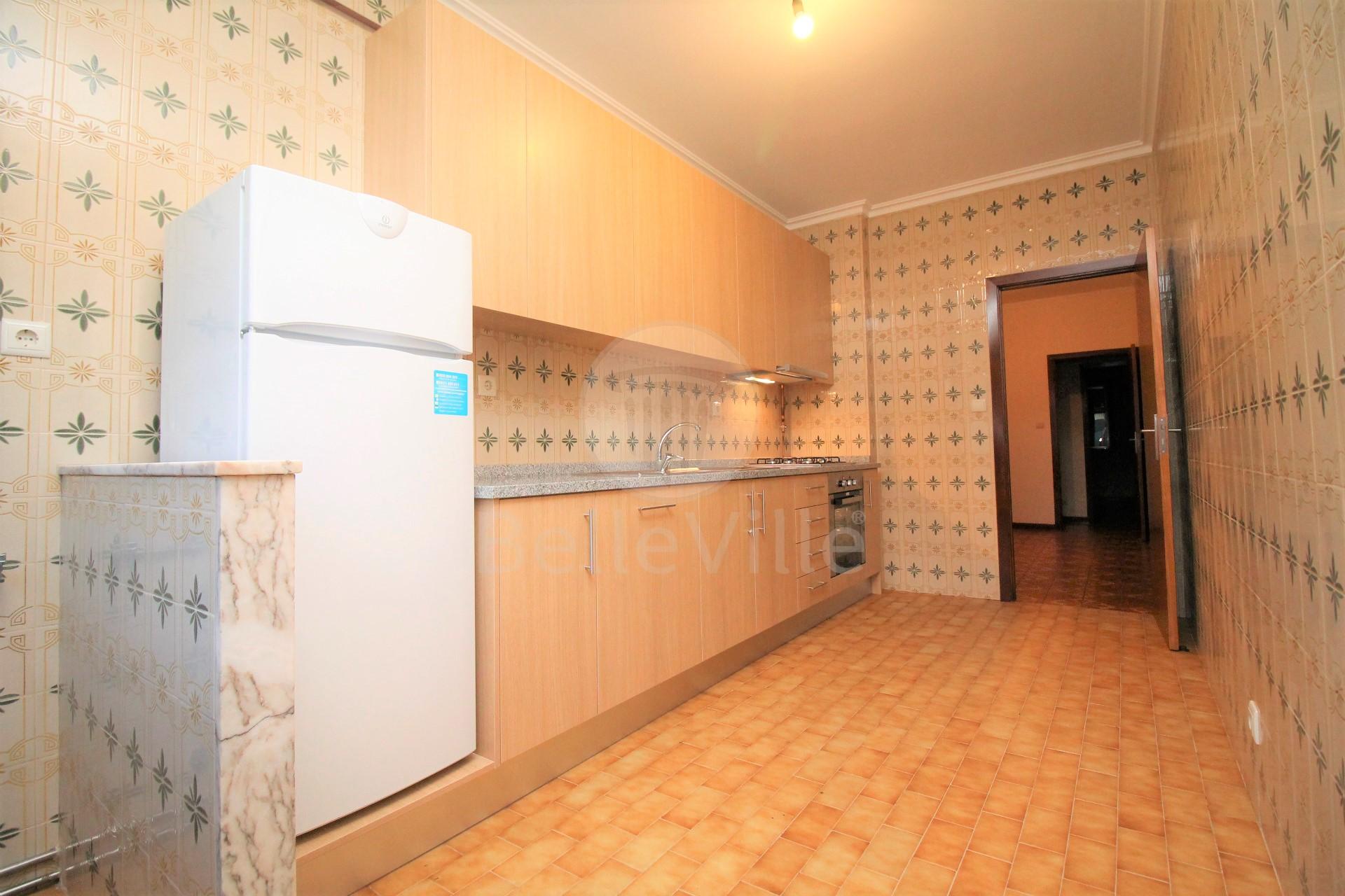 Apartamento T3 para arrendar em São José de São Lazaro