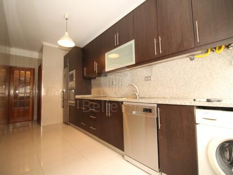 Apartamento para arrendamento T3+1 em Maximinos